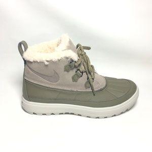 Nike Woodside Chukka 2 Light Duck Boots
